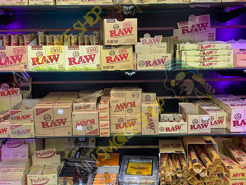 Raw Cone Rolling Papers in kansas city